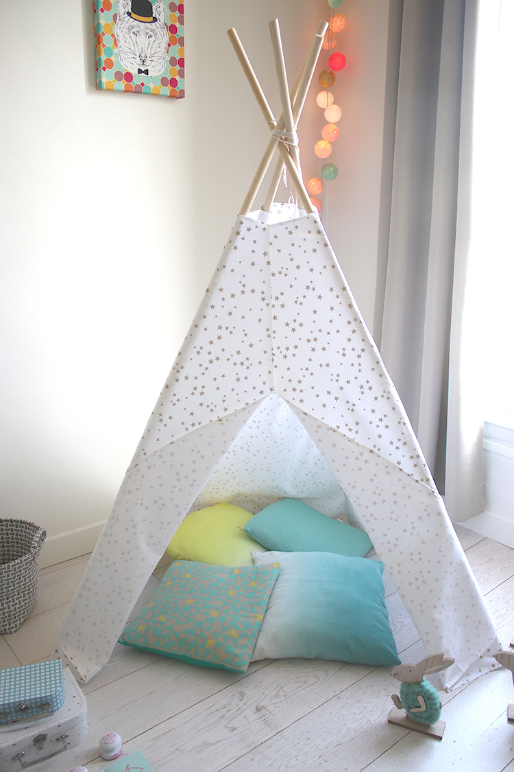 le tuto du tipi enfant les coupons de saint pierre. Black Bedroom Furniture Sets. Home Design Ideas